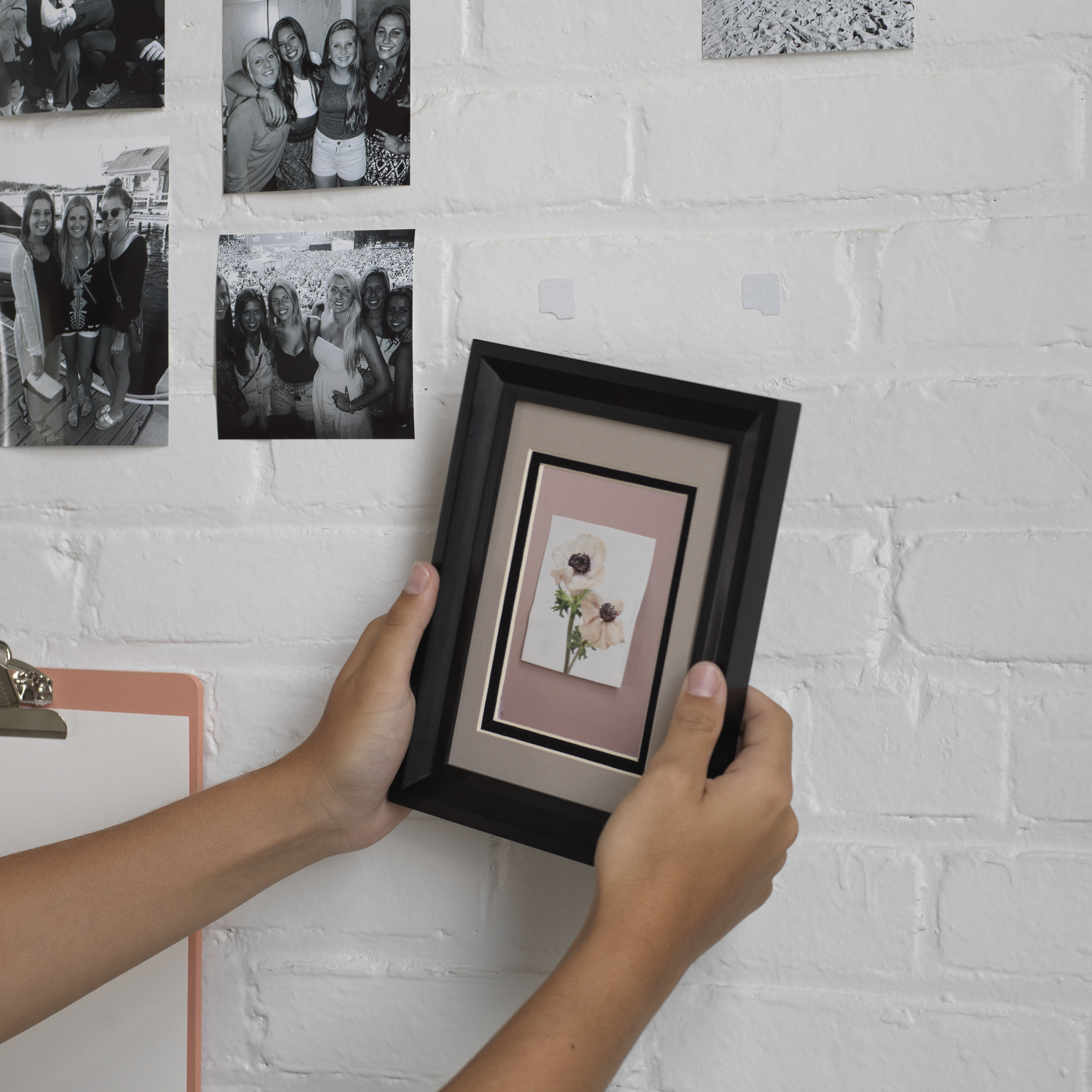 Hanging photo with using VELCRO® Brand HANGables™ Removable Wall Fasteners